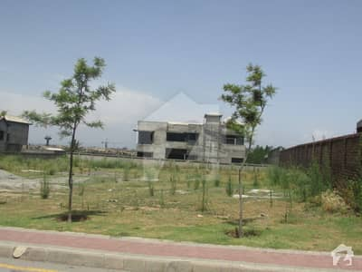 بحریہ گارڈن سٹی - زون 4 بحریہ گارڈن سٹی بحریہ ٹاؤن اسلام آباد میں 2.7 کنال رہائشی پلاٹ 4.7 کروڑ میں برائے فروخت۔