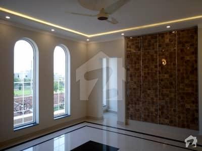 10 Marla House For Sale  Good Location