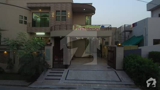 Brand New 11 Marla Old Corner House For Sale As Per Best Opportunity For Two Brothers