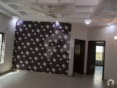 10 Marla Renovated House For Sale On Top Location Near Main Road