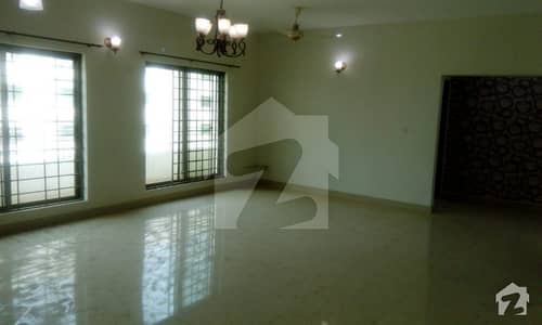 2500 Sq Feet 3 Bedroom Brand New Luxury Apartment Is Available For Very Urgent Sale