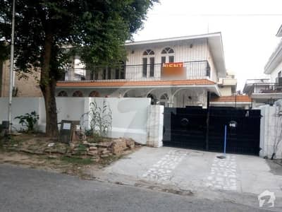 F10 Excellent Double Storey Beautiful House