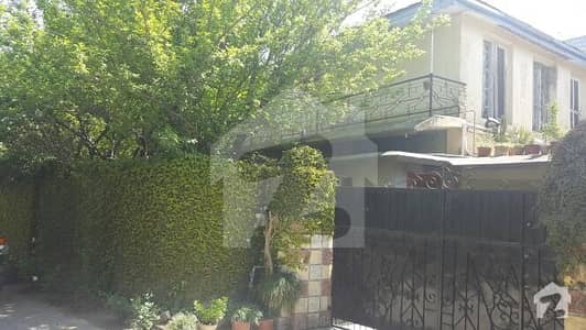 Fully Furnished Double Storey Corner House Available For Sale