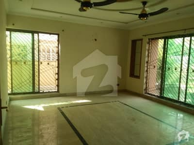 1 Kanal Upper Lock Lower Portion Luxurious  For Rent In DHA  Phase 3  Block W