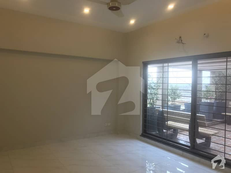1 Kanal Slightly Used Like Brand New Bungalow Very Cheapest Price Hot Deal Solid Work In House