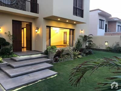 Exclusive 1000 Sq Yards Brand New Artistic Bungalow