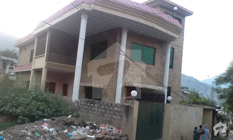 14 marla renovated house is available for sale at sund gali upper chattar