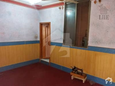 Corner House For Sale In Majeed Street Kasi Road