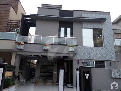 10 Marla Brand New House For Sale In Valencia Near Park Market Mosque Main Road