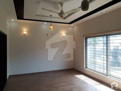 1 Kanal Lower Portion Like New House 3 Bed For Rent