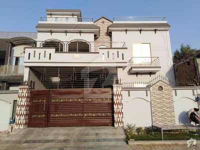 12 Marla Double Storey House Is Available For Sale.