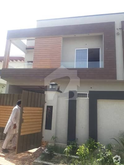 10 MARLA NEWLY HOUSE FOR SALE IN NASHEMAN IQBAL PH1 LHR