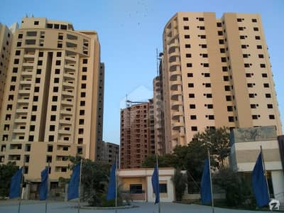 8 Marla Flat For Sale