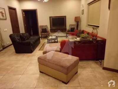 Sui Gas Kanal Luxurious Bungalow For Sale Located At Heart Of Phase 1