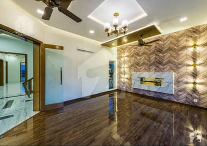 1 Kanal Brand New Elegant Luxury Bungalow For Sale
