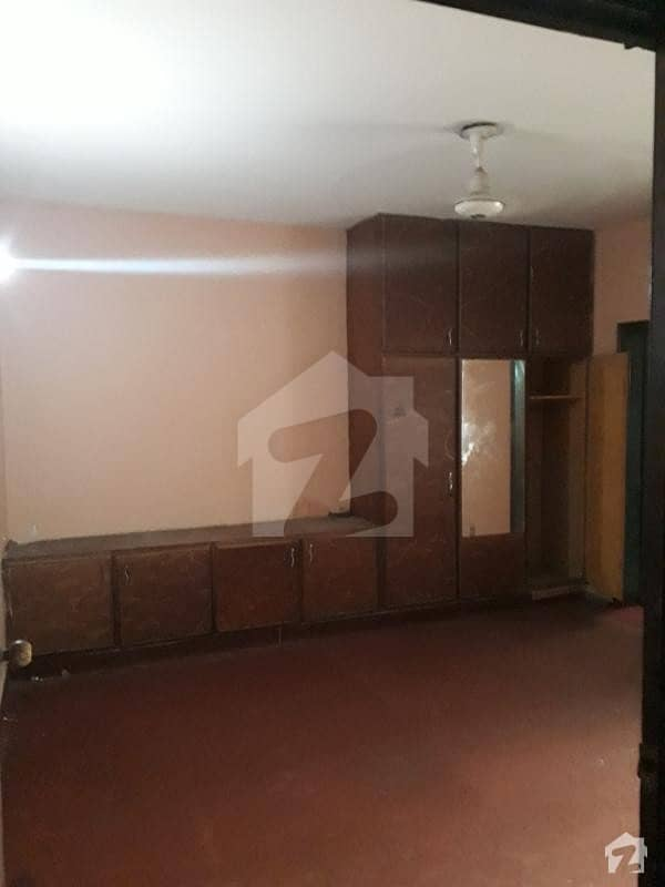 Portion For Rent    Iqbal Park Cantt