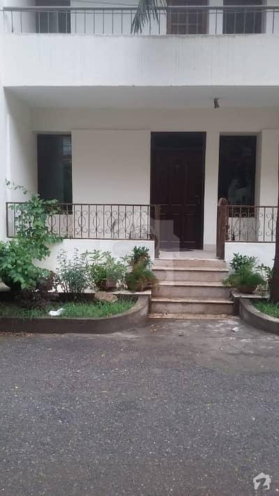 10 Marla 3 Bed  Beautiful Flat ground Floor For sale In Askari 5 Lahore