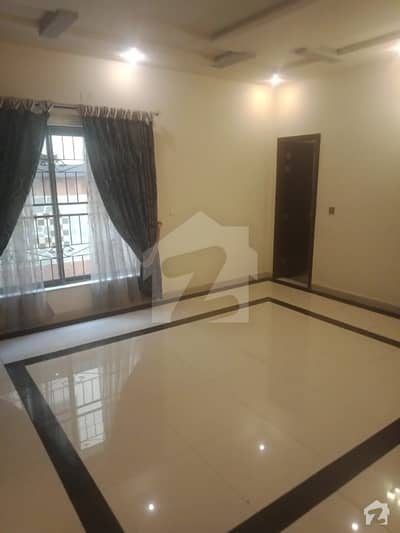 1 KANAL DOUBLE STORY LUXURY HOME AVAILABLE FOR SALE