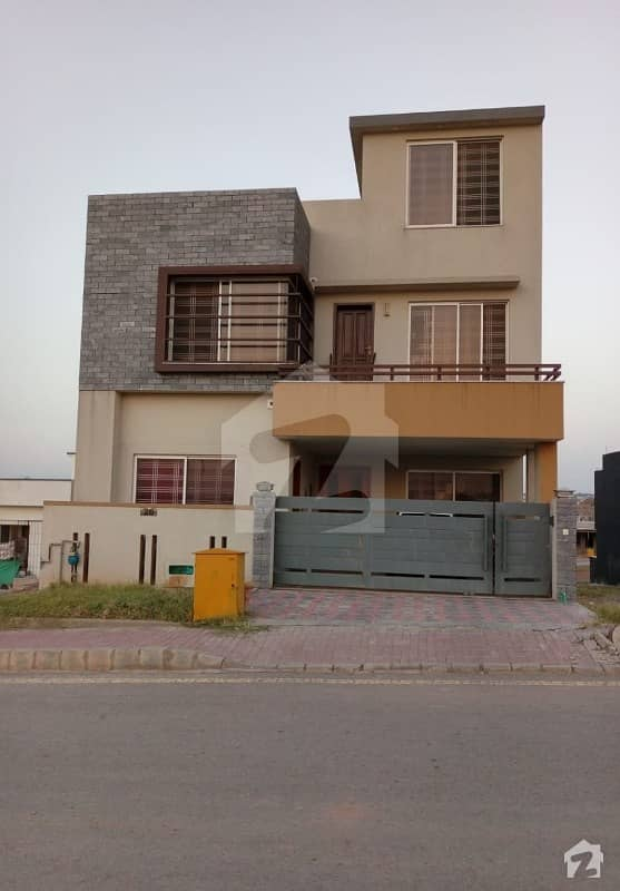 Awais Block Safari Valley 8 Marla Double Storey House For Rent