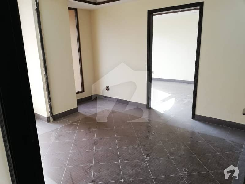 1 Bed Unfurnished 500 sq feet Apartment For Rent
