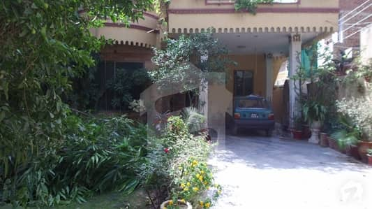 15 Marla Beautiful House For Sale in Bastami Road Samnabad Lahore
