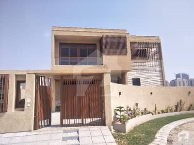 Modern  Brand New 500 Sq Yards Artistic Villa With Basement  For Sale