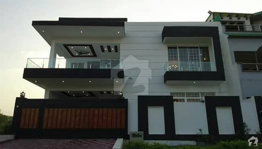 Corner 40x80 House Is Available  For Sale