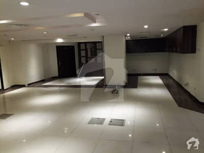 9 Marla Commercial Flat For Sale In Siddique Trade Center Gulberg Lahore