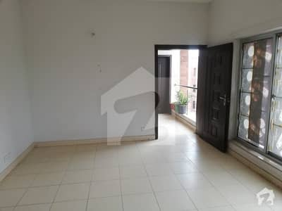 I sale second floor in bahria orchard G19 apartment