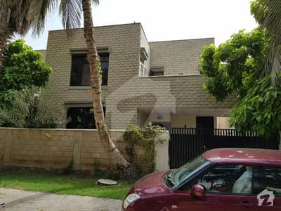 Excellent 4 Bedroom In D84  Zamzama Karachi For Rent The Bungalow In Front Of Beautiful Park As Extension To The Villa With Play Ground Hot Deal