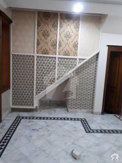 Johar Town 5 Marla Renuvated New House 6 Beds Prime Area Original Pictures Attached