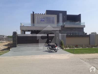 01 Kanal Slightly Used Bungalow by famous Architecture Designed for sale in Phase 3 DHA Lahore