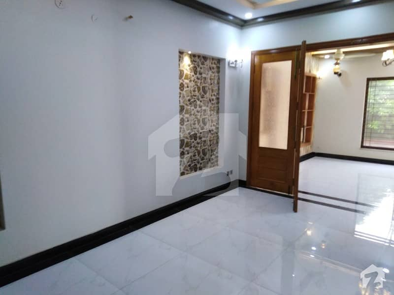 9 Marla Brand New Corner House For Rent