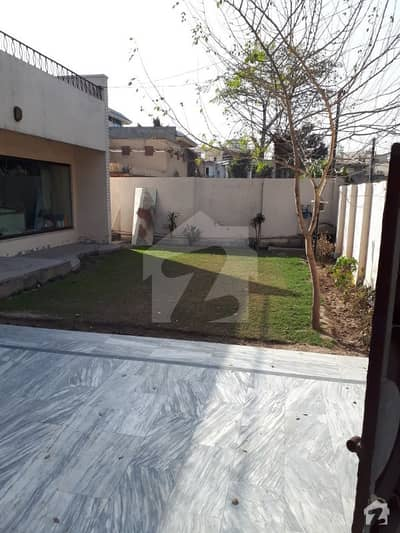 2 Kanal Semi Commercial Bungalow For Sale Gulberg 3