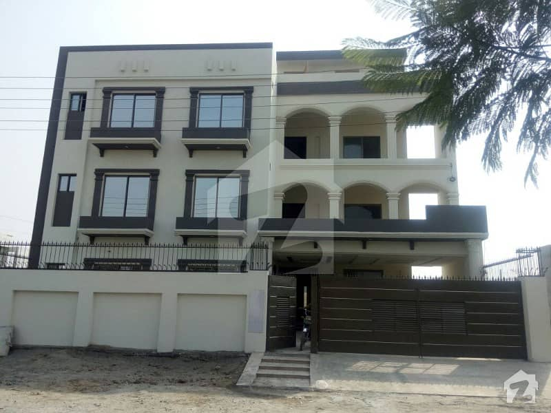 Brand New 1 Kanal Apartment Building For Sale