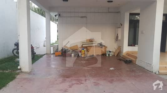 A Decent House 933 Sq Yd In Closed End Street Near To  Hill Road