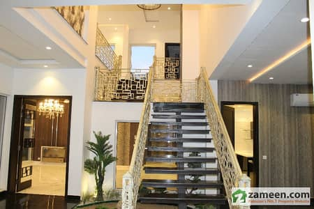 1 Kanal Galleria Design BN Bungalow Top Location Phase 6 For Sale