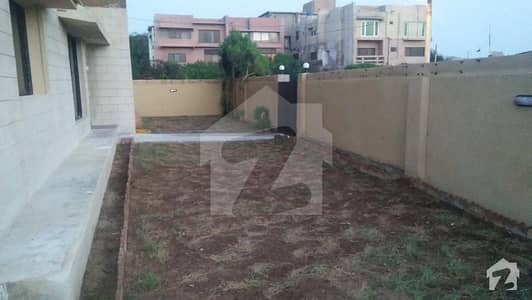 Defence - Sea View Apartment Ground Floor For Rent Big Lush Lawn Line Water