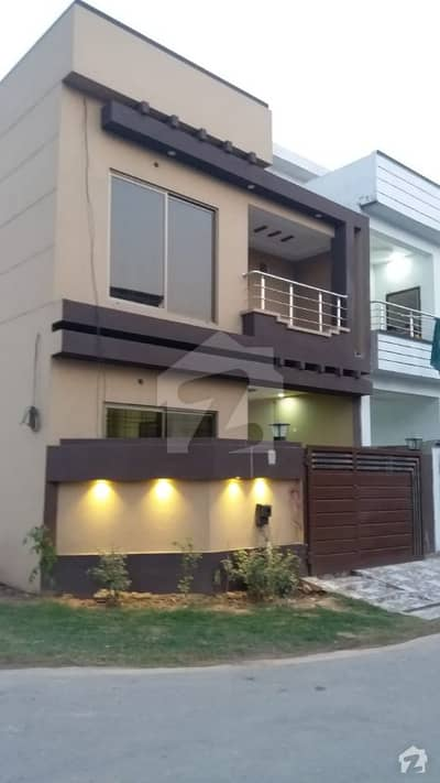 5 Marla Corner House In Rose Block Owner Build