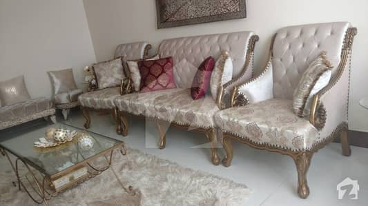 Luxury 03 Beds Flat For Sale