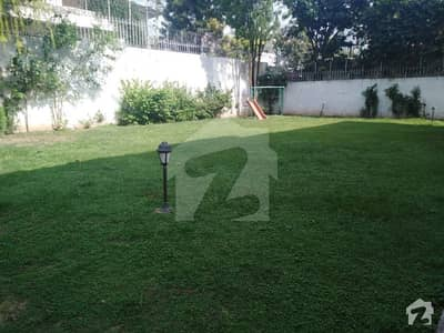 E-7 4Beds Compact House For Rent With Beautiful Lawn