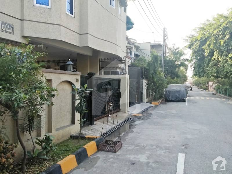House Is Available For Sale  - Toheed Town