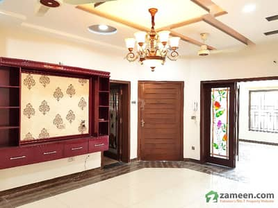 In Phase 5 Lovely Ground Portion Of 11 Marla With 2 Beds Available For Rent