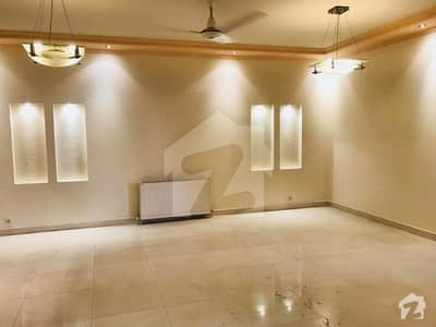 Spacious Bright In Karakoram Enclave 2 F-11  Flat For Rent
