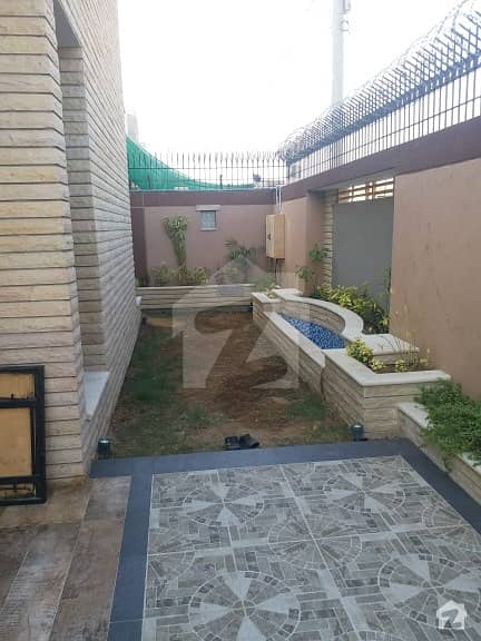 500 Yards Brand New Extraordinary Portion For Rent