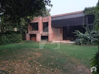 Cantt Estate Offer 3 Kana Furnished Stylish Bungalow With Swimming Pool  In Main Cantt Lahore