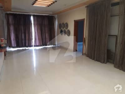 5 Marla Lower Portion For Rent Near Emporium Mall