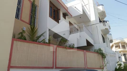 Kda Scheme 1  250 Square Yards Town House For Sale