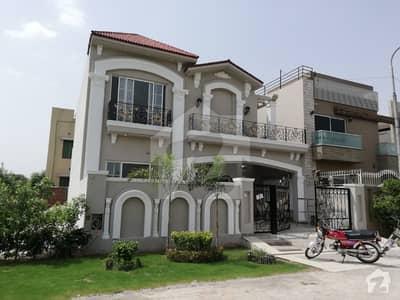 10 Marla Double Storey Attractively Build Bungalow In Eden City
