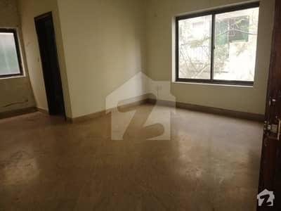 10 Marla 1st Floor In Al Rehman Gardens